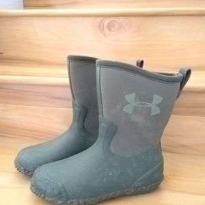 Under Armour kids rainboots size 6y